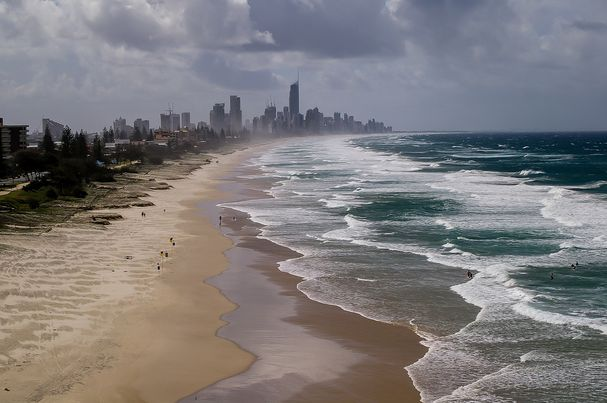 Gold Coast as the great location for the best surf camp in Australia