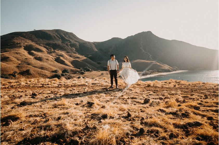 Taking A Pre-Wedding Shoot on Komodo Sailing Trip!
