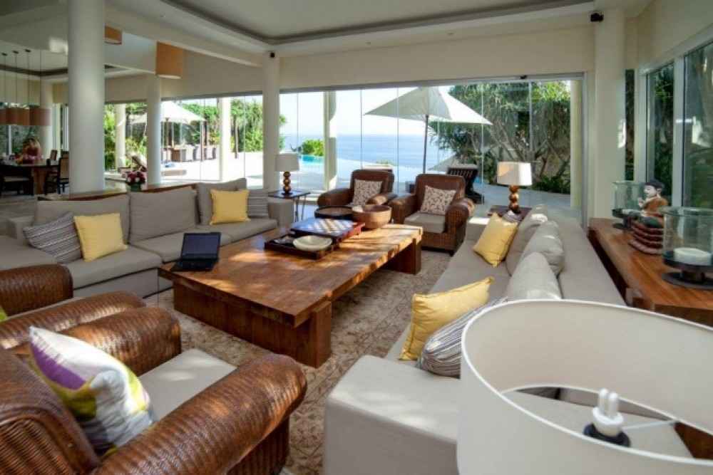 Planning to Work Remote from Beachfront Villa Bali? Here Are 5 Things to Consider!